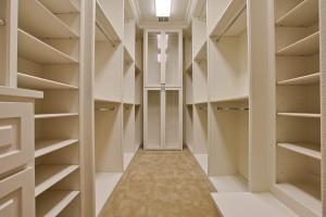6510 Deloache_Master Closet